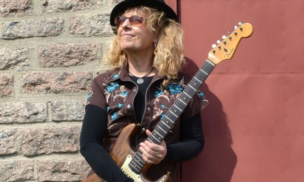 LADY PLAYS THE BLUES | Acclaimed blues guitarist Debbie Davies headlines at Hong Kong Inn