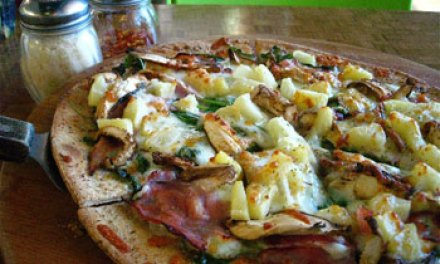 New T.O. pizzeria a virtual trifecta — tasty, healthy and eco-friendly