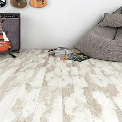pavimento laminato beige in cameretta di ragazzo