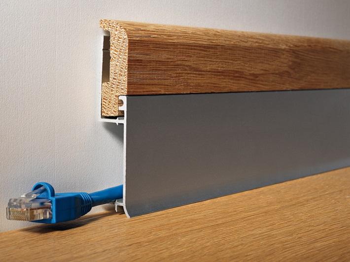 battiscopa per l'arredamento moderno  passacavi in doppia finitura