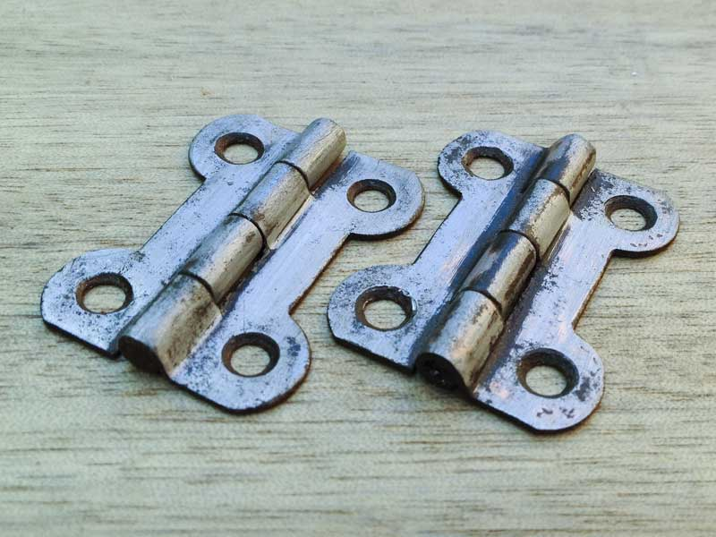 original 'dogbone' hinges from my old Canterbury Pitt spares box