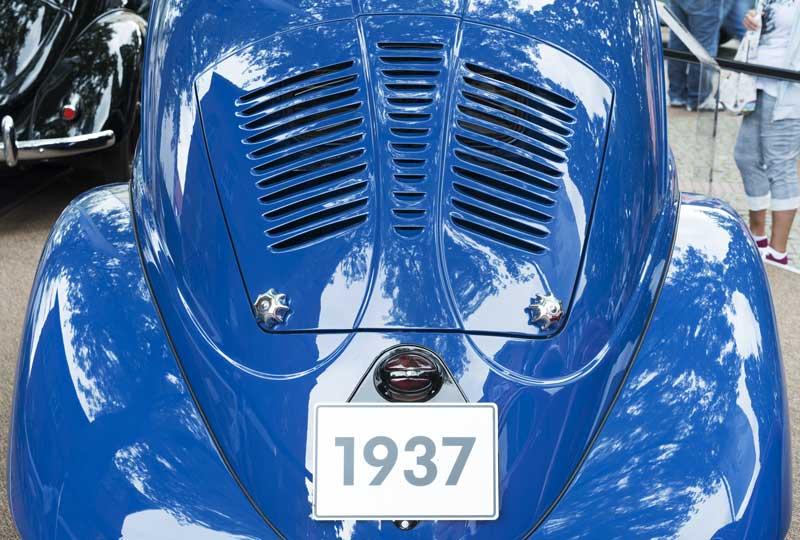 an early 1937 prototype Beetle rear louvered rear window