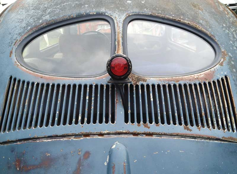 nice survivor split window Beetle with additional stop light accessory