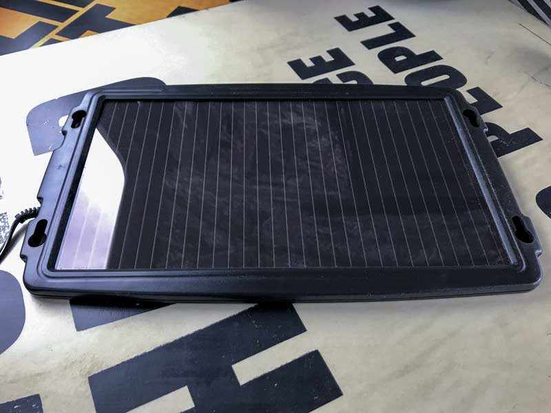 solar powered battery charger to maintain and trickle charge the leisure battery when parked up