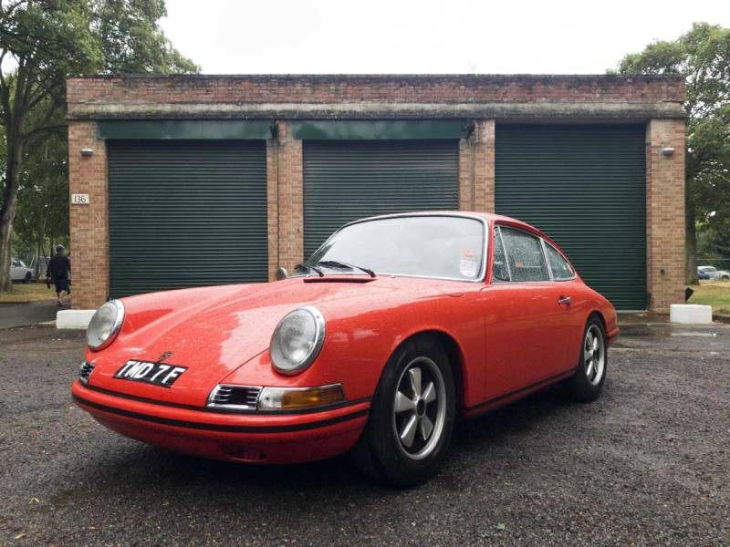 a rather rare Porsche 911 T/R I believe?