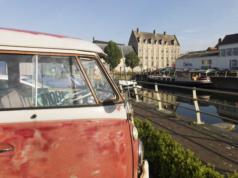 Great canal side stop over in the picturesque town of Veurne