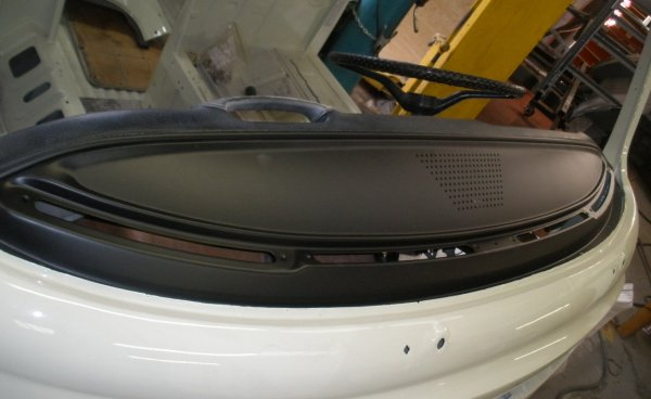 the dash front gets put back in place – looking sweet!