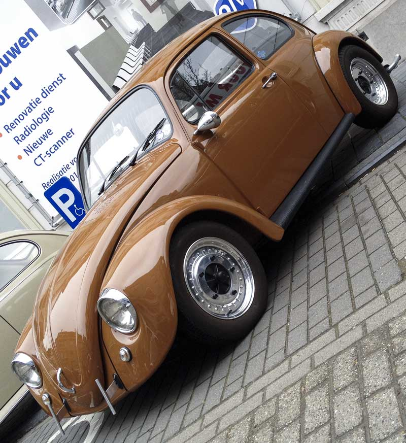 clean looking de-chromed bug in a tasty looking colour!