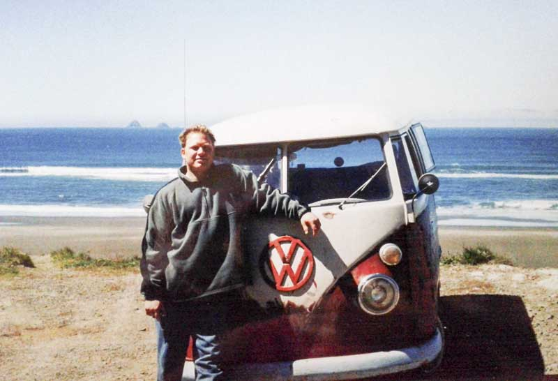 beach bus – at home by the sea in sunny California, Highway 1 (Circa 1995)
