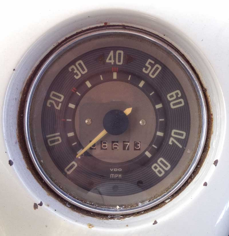 the classic vintage VW speedo design
