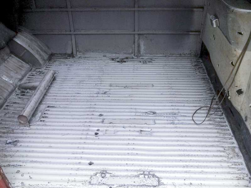 the cargo floor is cleaned and treated with POR Metal Prep