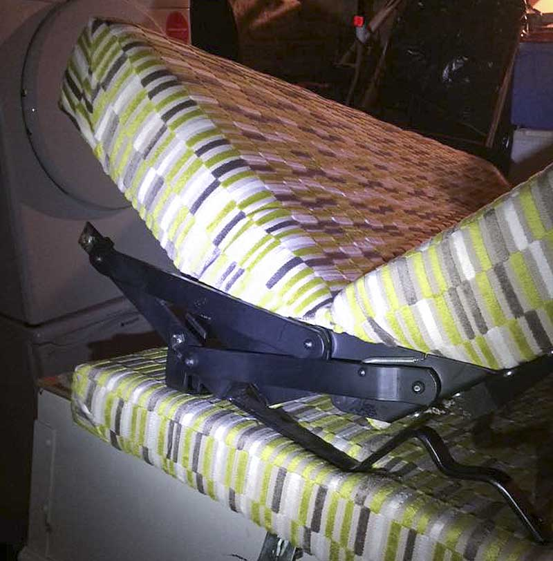Rock 'n' roll rear seat/bed with engine bay cushion