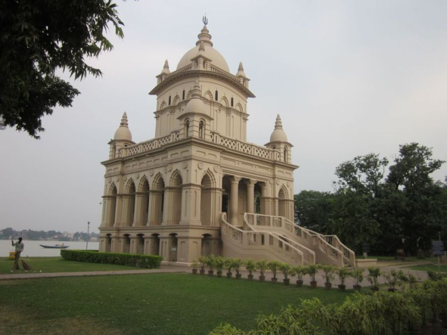 15 Swami Vivekananda Temple at Belur Math - Photo 2