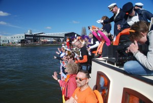 groups have their customized boat event on board of the boats of navigo amsterdam