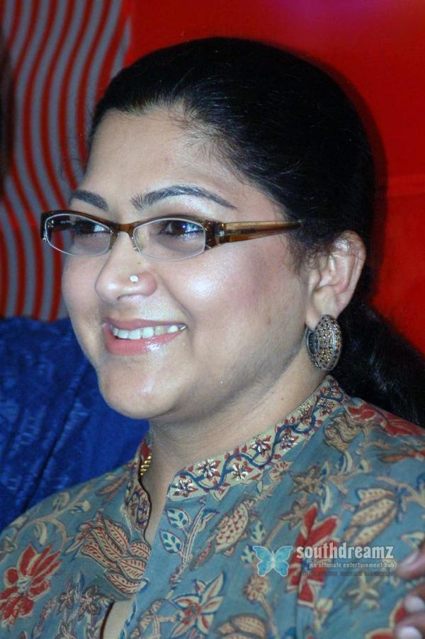 Kushboo Hot Saree Images Veethi