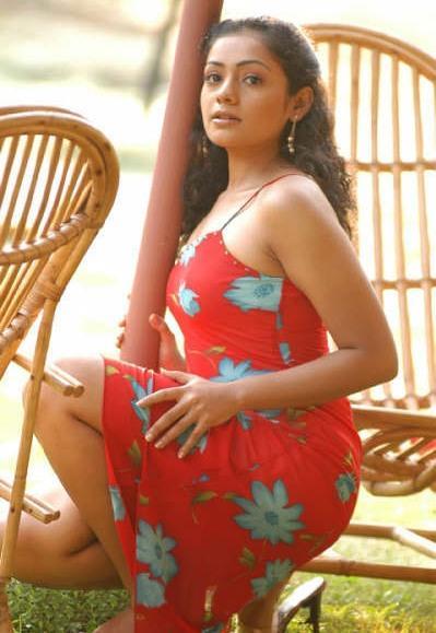 Meera Vasudevan Sexy Images