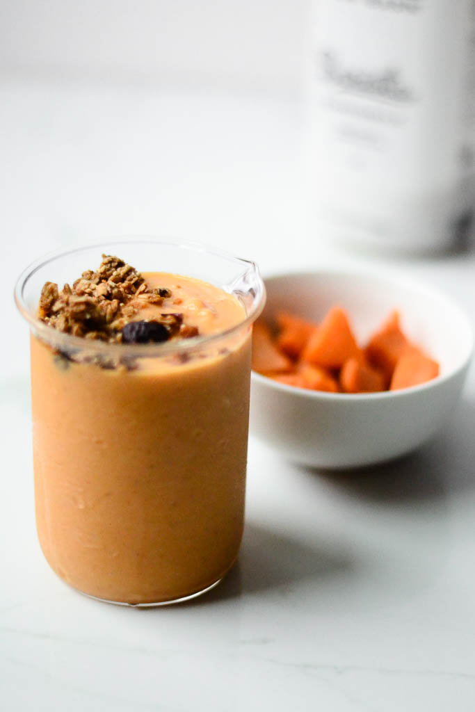 Delicious vegan smoothies can be yours with just a few simple ingredients and a high-speed blender. Discover our best smoothie recipe yet. #smoothies #smoothierecipes #veganrecipes #veganfood