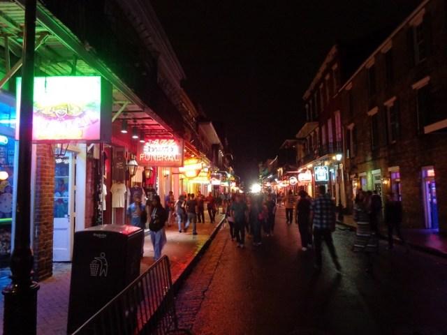 new-orleans-bourbon-street-v