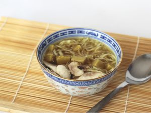 Sopa con Tofu de Garbanzos
