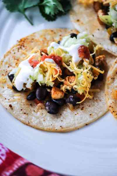 Vegan Tofu and Black Bean Street Tacos with Shredded Cabbage http://www.veganblueberry.com