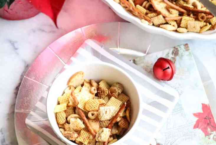 Vegan Chex Mix that tastes great and has no margarine! All ingredients from your kitchen! http://www.veganblueberry.com
