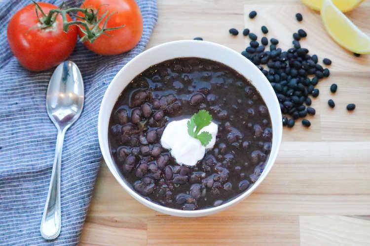 Instant Pot Vegan Black Bean Soup http://www.veganblueberry.com