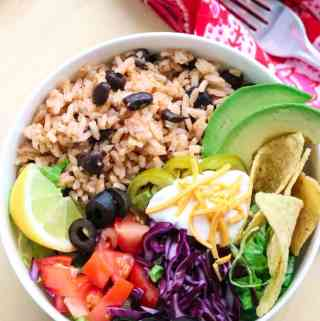 Easy Favorite Vegan Mexican Rice and Black Bean Burrito Bowl (Instant Pot)