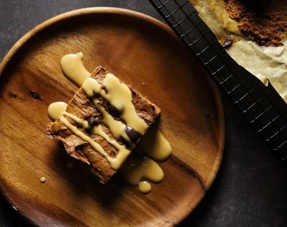 """""""Brownie"""" minimaliste au cacao et patate douce - beurre de cacahuète"""