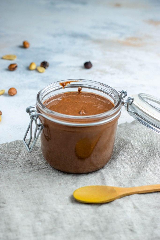 Beurre de cacahuète lisse à la noisette et au cacao