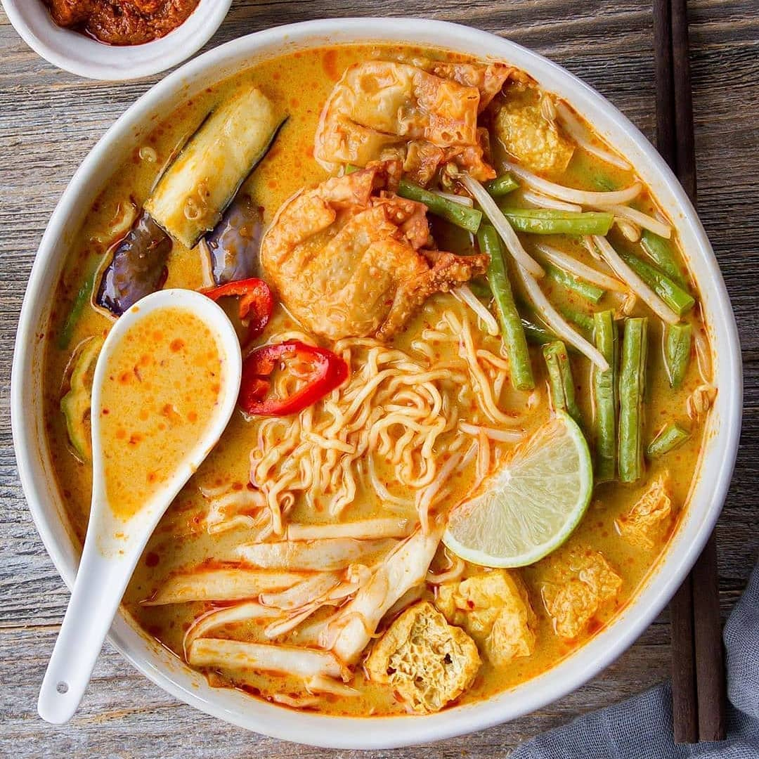 curry laksa noodles bywoonhengso flavourful and display image  68b42637