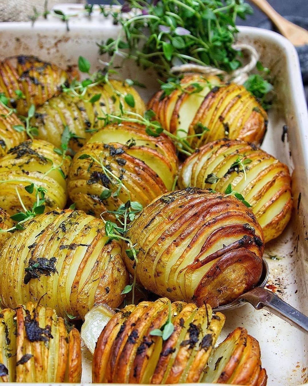 thyme infused hasselbacks by healthylivingjames display image  8d15b500