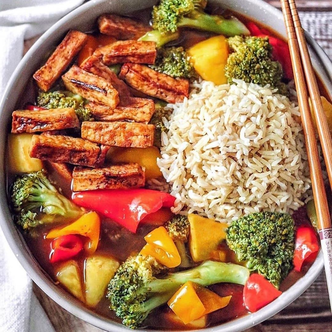 veganlifestyle715 healthier sweet and sour stir fry with tam display image  f45925cb