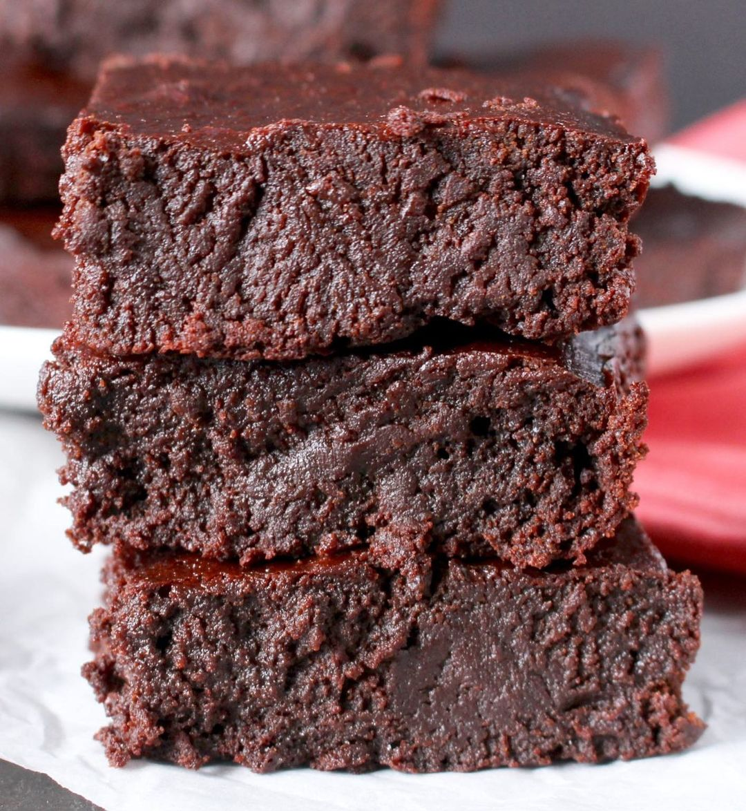 starting the week with these paleo fudgy brownies is a good display image ffb
