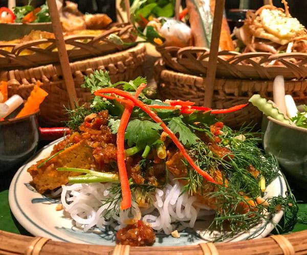 Salinda Resort vegan cha ca long