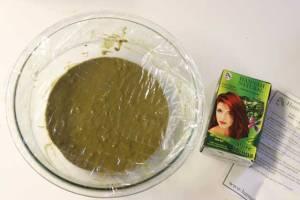 Henna hair dye release