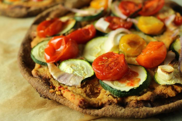 zucchini tomato hummus vegan pita pizza vegan program