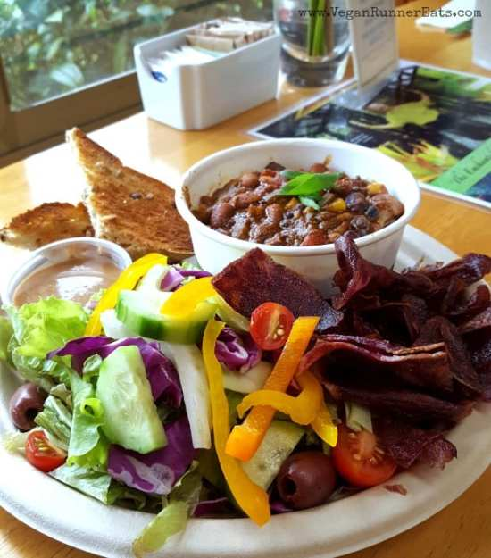 vegan-chili-with-rice-and-a-side-salad-at-cafe-ono-in-volcano-village-big-island-of-hawaii