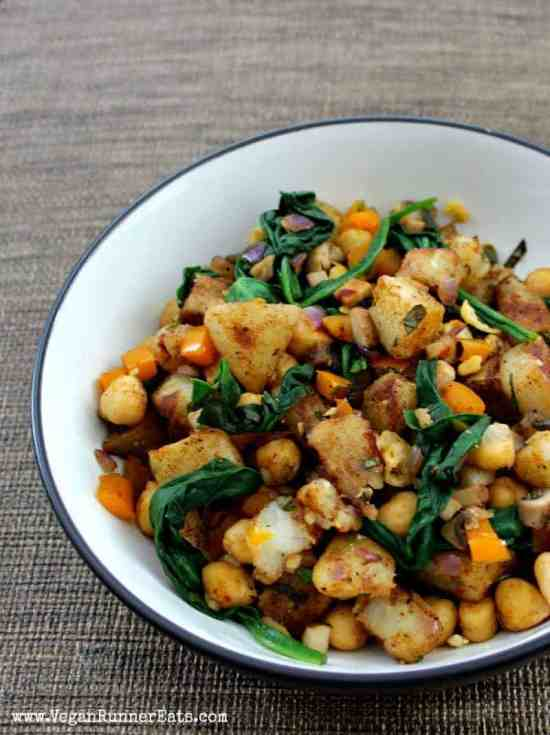 Vegan warm potato salad with spinach and chickpeas - a mayo-free potato salad recipe