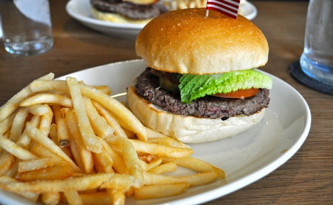 <b>V.V. Burger Showdown, Round 2!</b><br> Momofuku Nishi vs. Sugar Cafe
