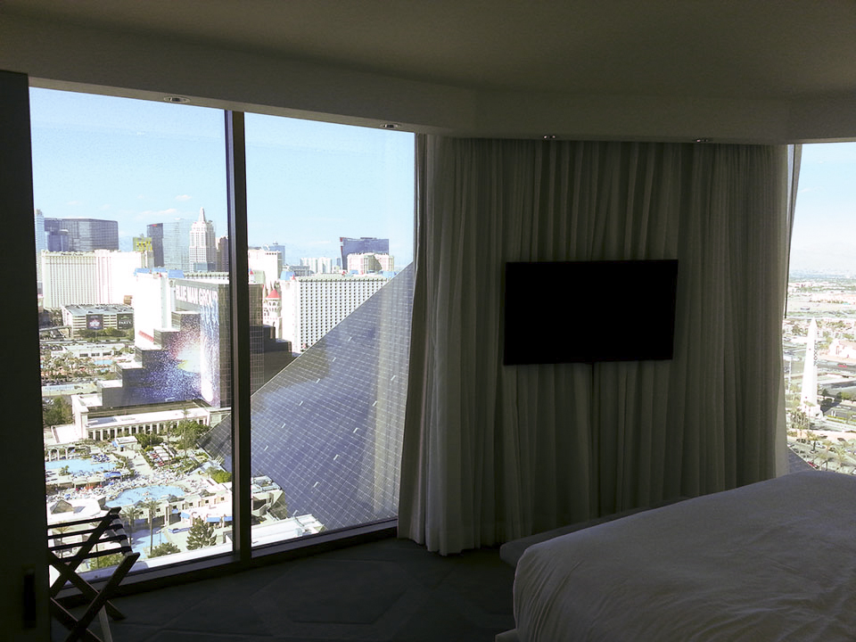 Rooms Review: Checking-In: A Room Review Of The Delano Scenic Suite