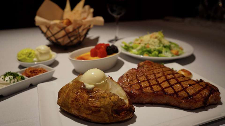 Steakhouse Showdown, Excalibur, BLT, Camelot