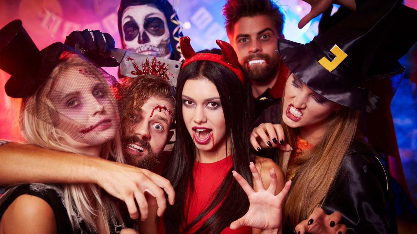 When you arrive in las vegas, getting to your hotel and hitting the strip might be on the top of your list. Las Vegas Halloween Vegas Girls Night Out