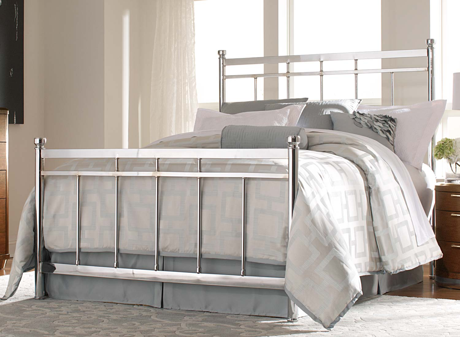 Zelda Iii Chrome Bed Las Vegas Furniture Store Modern