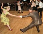 Guests-swing-dance-to-some-of-Big-Bad-Voodoo-Daddys-toe-tapping-tunes-credit-Tom-Donoghue