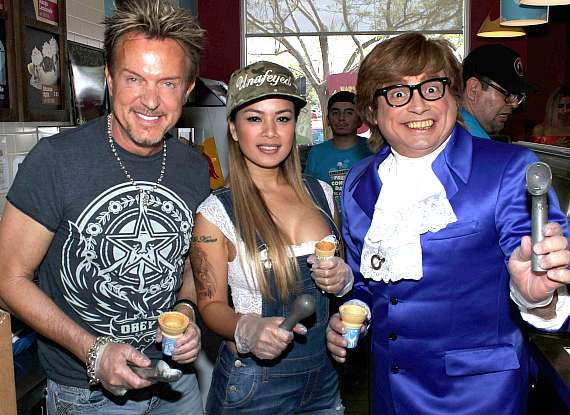 Singer Chris Phillips of Zowie Bowie, Model/Dancer Dixie Miranda and Celebrity Impersonator John Di Domenico as Austin Powers