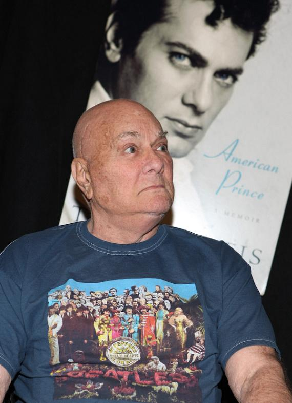 """Tony Curtis at booksigning of """"American Prince - A Memoir"""""""
