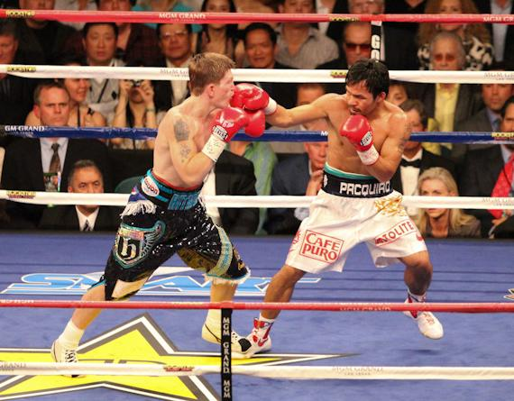 Pacquuiao scores with right hands
