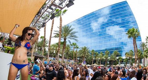 Dancer with crowd at REHAB at Hard Rock Hotel & Casino