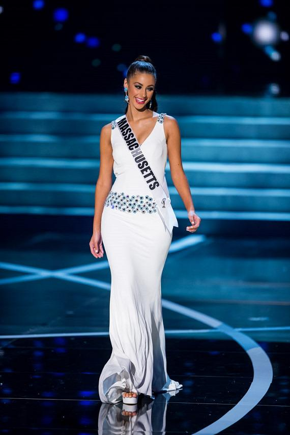 Miss Massachusetts in Miss USA 2013 evening gown competition