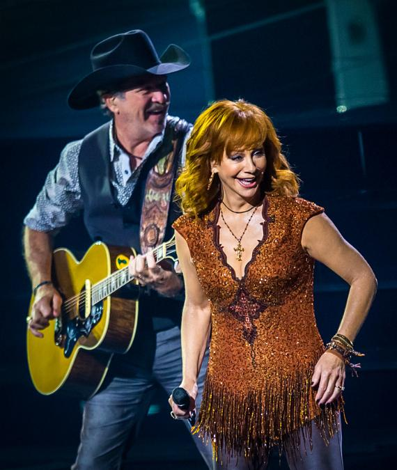 """""""Reba, Brooks & Dunn: Together in Vegas"""" Debuts with a Sold-Out Audience at The Colosseum at Caesars Palace"""